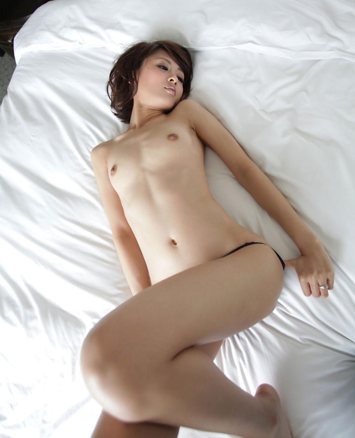 柔らかそうな美乳おっぱい画像 72