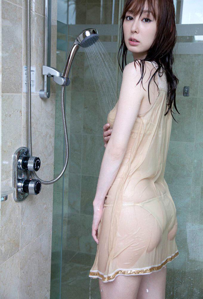 秋山莉奈 オシリーナの水着画像 96