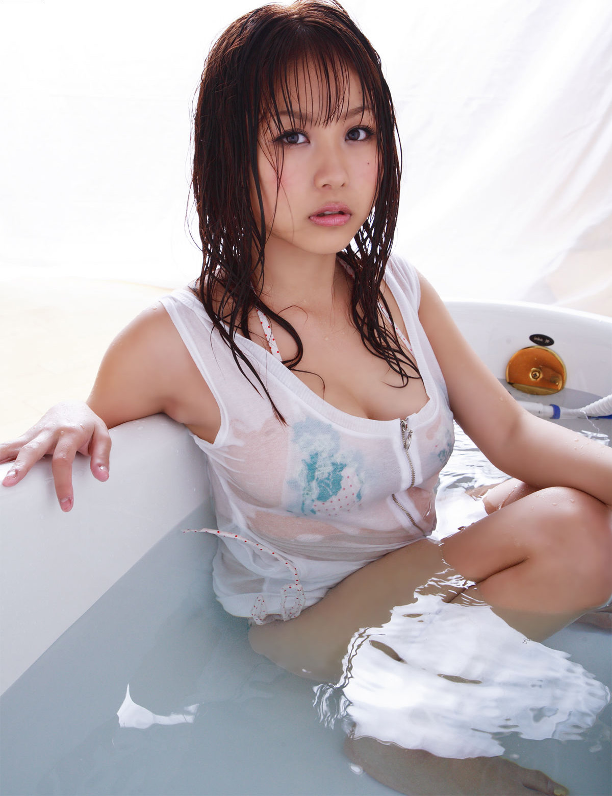 西田麻衣 画像 高画質 97