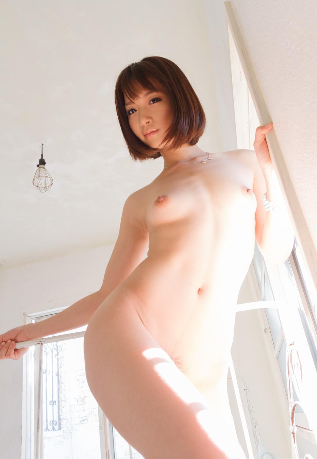 綺麗なお姉さんの全裸ヌード画像 4