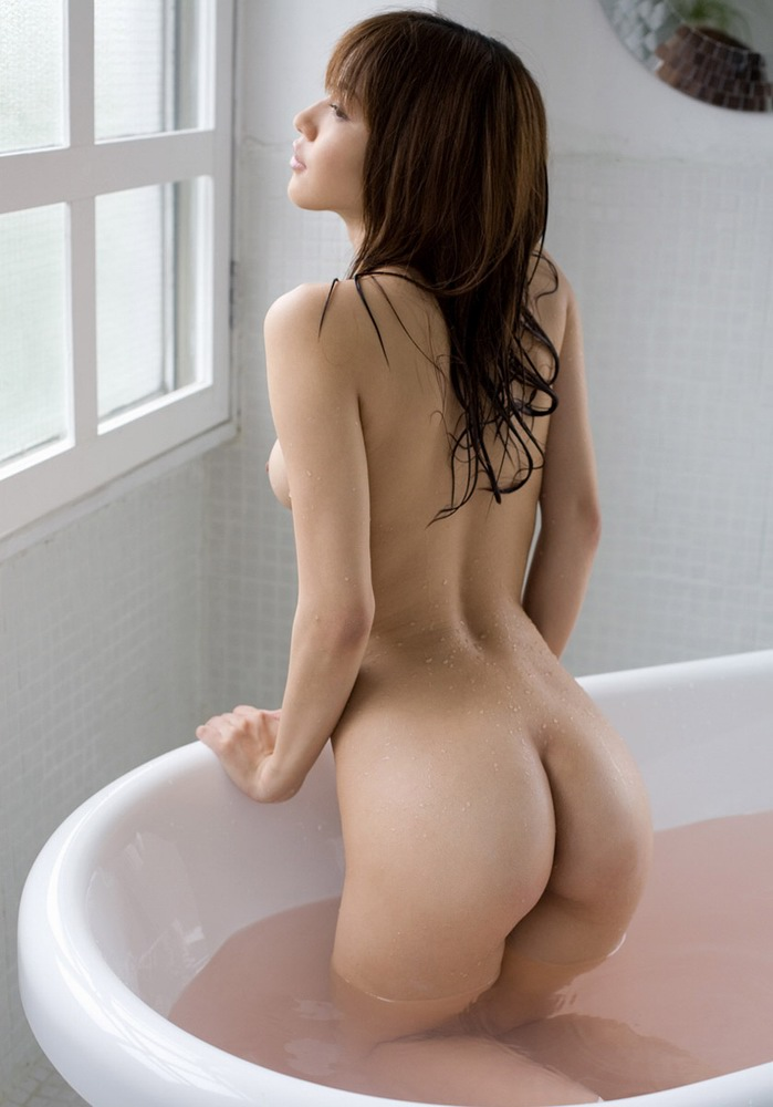 女の子と一緒にお風呂に入りたくなる入浴中のエロ画像 8