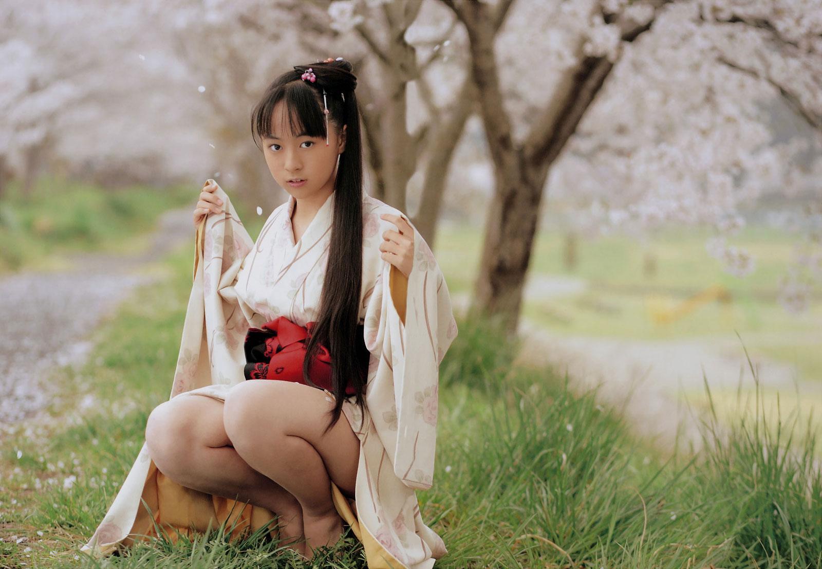 着物や浴衣を着た和服美人なお姉さんのエロ画像 13