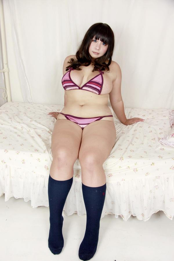 【デブ専】ぽっちゃりおデブな女の子のエロ画像 26