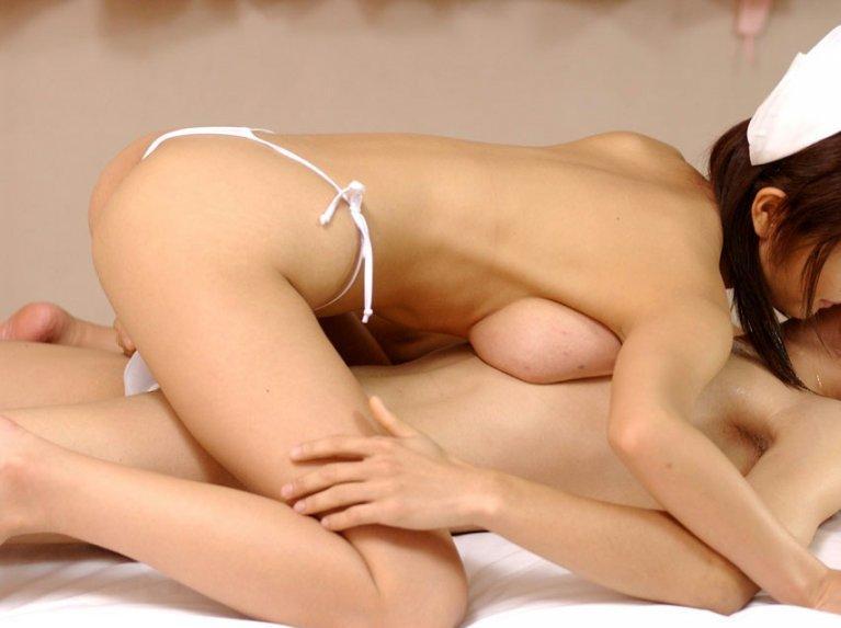 若い看護婦に勃起した下半身を見せつけた結果www ナースのエロ画像 33