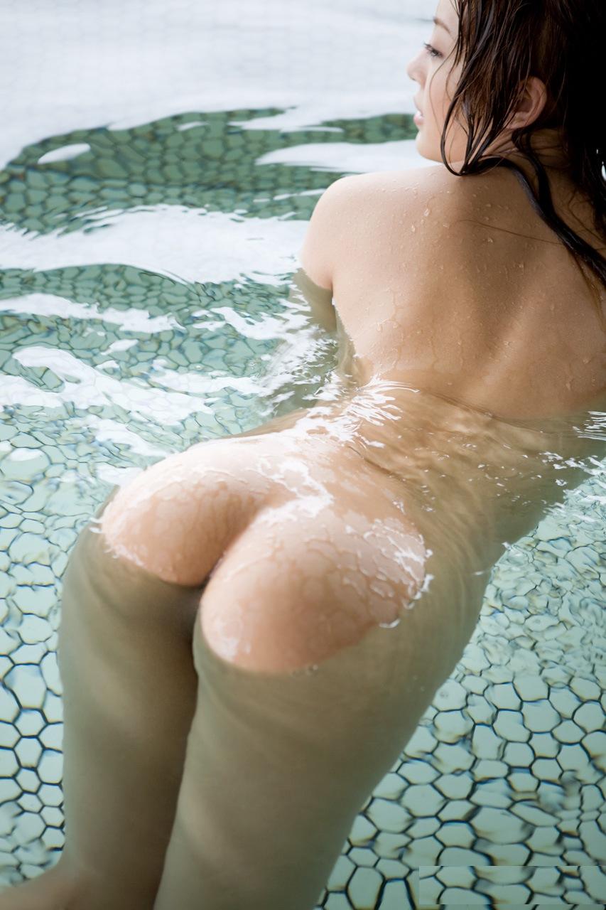 一緒にお風呂に入りたい!入浴中のお姉さんのエロ画像 33