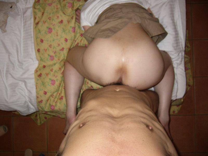 他人の彼女がアンアン悶えているセックス中のハメ撮り画像 35