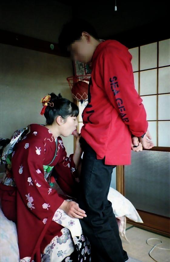 着物や浴衣を着た和服美人なお姉さんのエロ画像 38