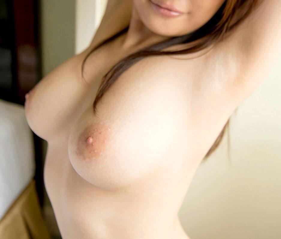 美乳な上に巨乳なおっぱい 美巨乳画像 38