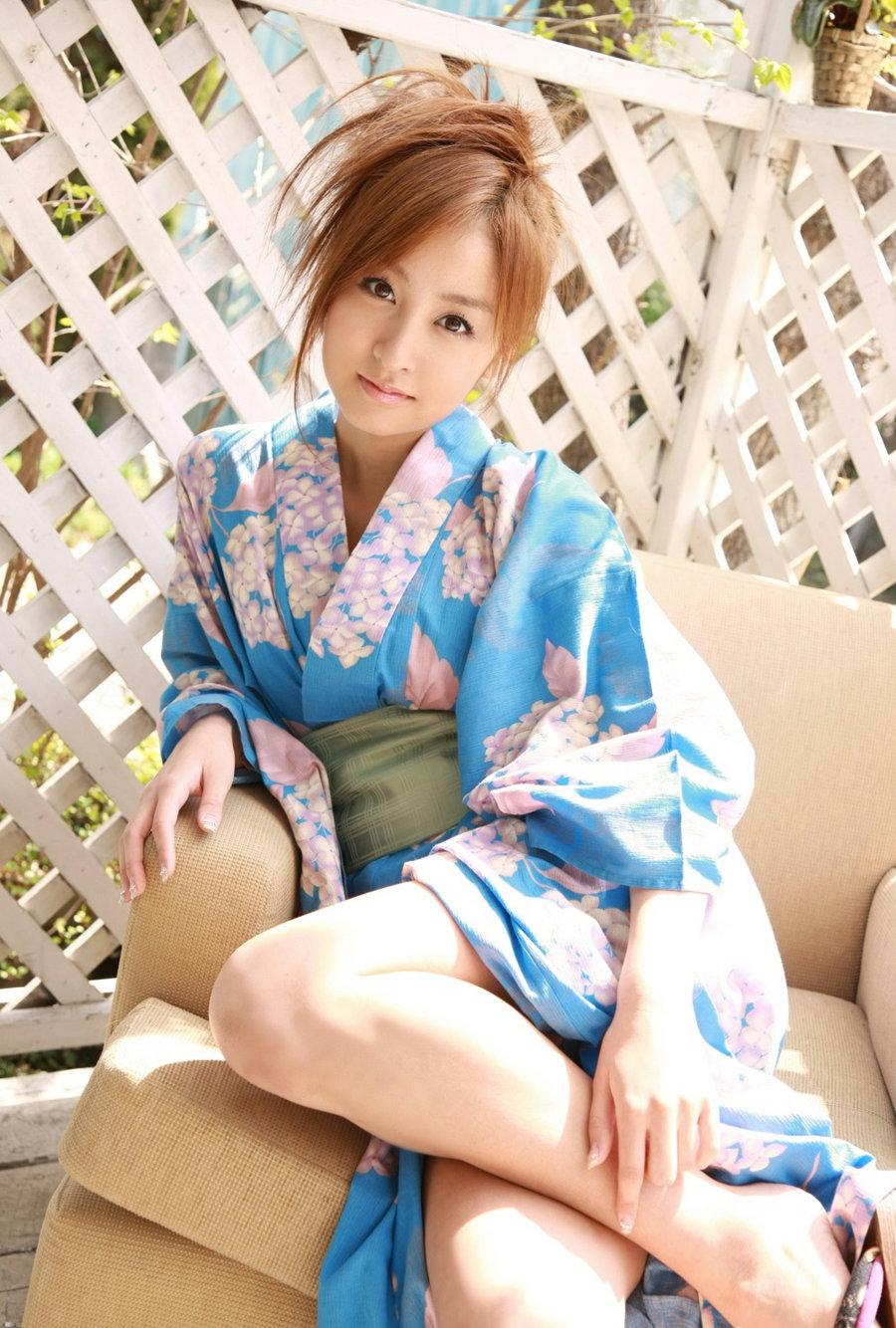 着物や浴衣を着た和服美人なお姉さんのエロ画像 43