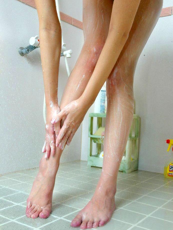 女の子と一緒にお風呂に入りたくなる入浴中のエロ画像 47