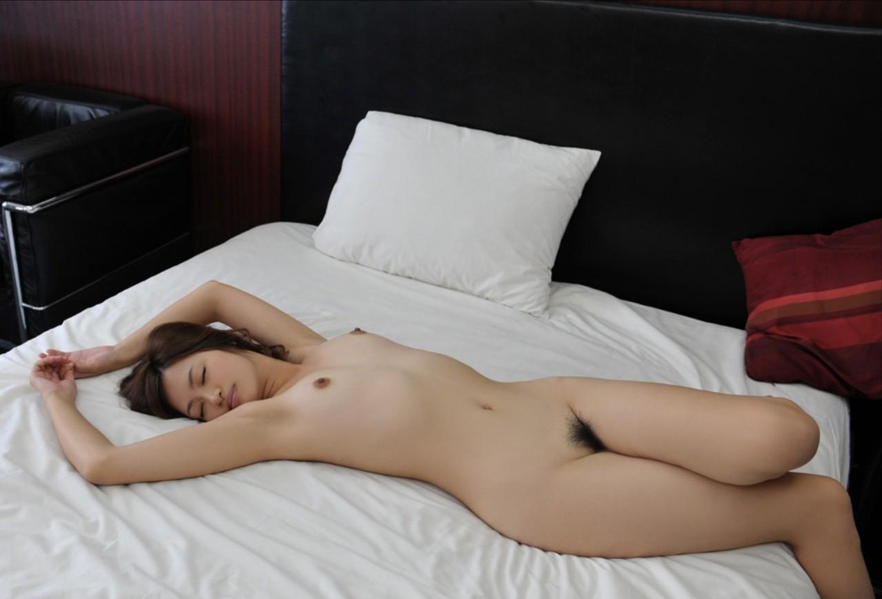 綺麗なお姉さんの全裸ヌード画像 48