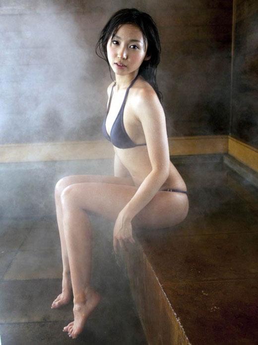 女の子と一緒にお風呂に入りたくなる入浴中のエロ画像 51
