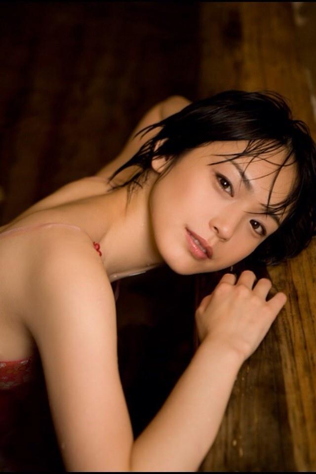 女の子と一緒にお風呂に入りたくなる入浴中のエロ画像 53