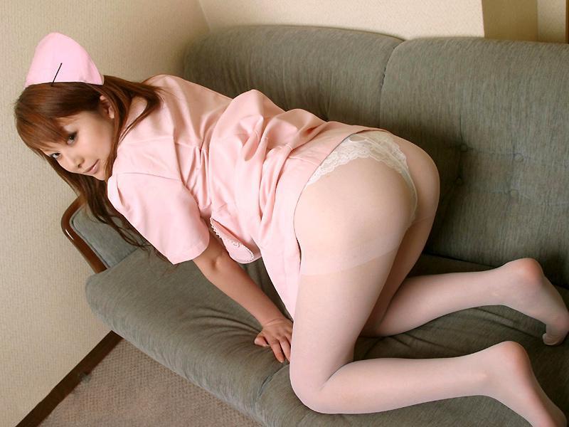 若い看護婦に勃起した下半身を見せつけた結果www ナースのエロ画像 59