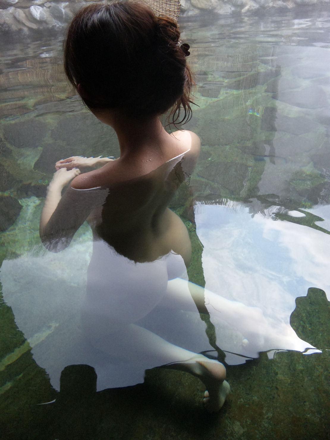 一緒にお風呂に入りたい!入浴中のお姉さんのエロ画像 75