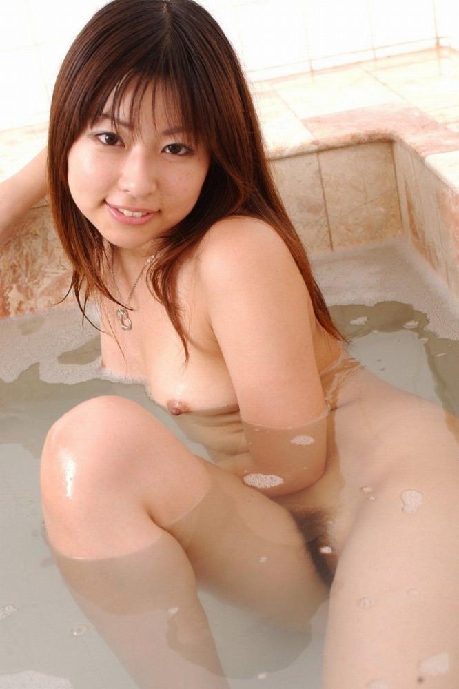 女の子と一緒にお風呂に入りたくなる入浴中のエロ画像 78