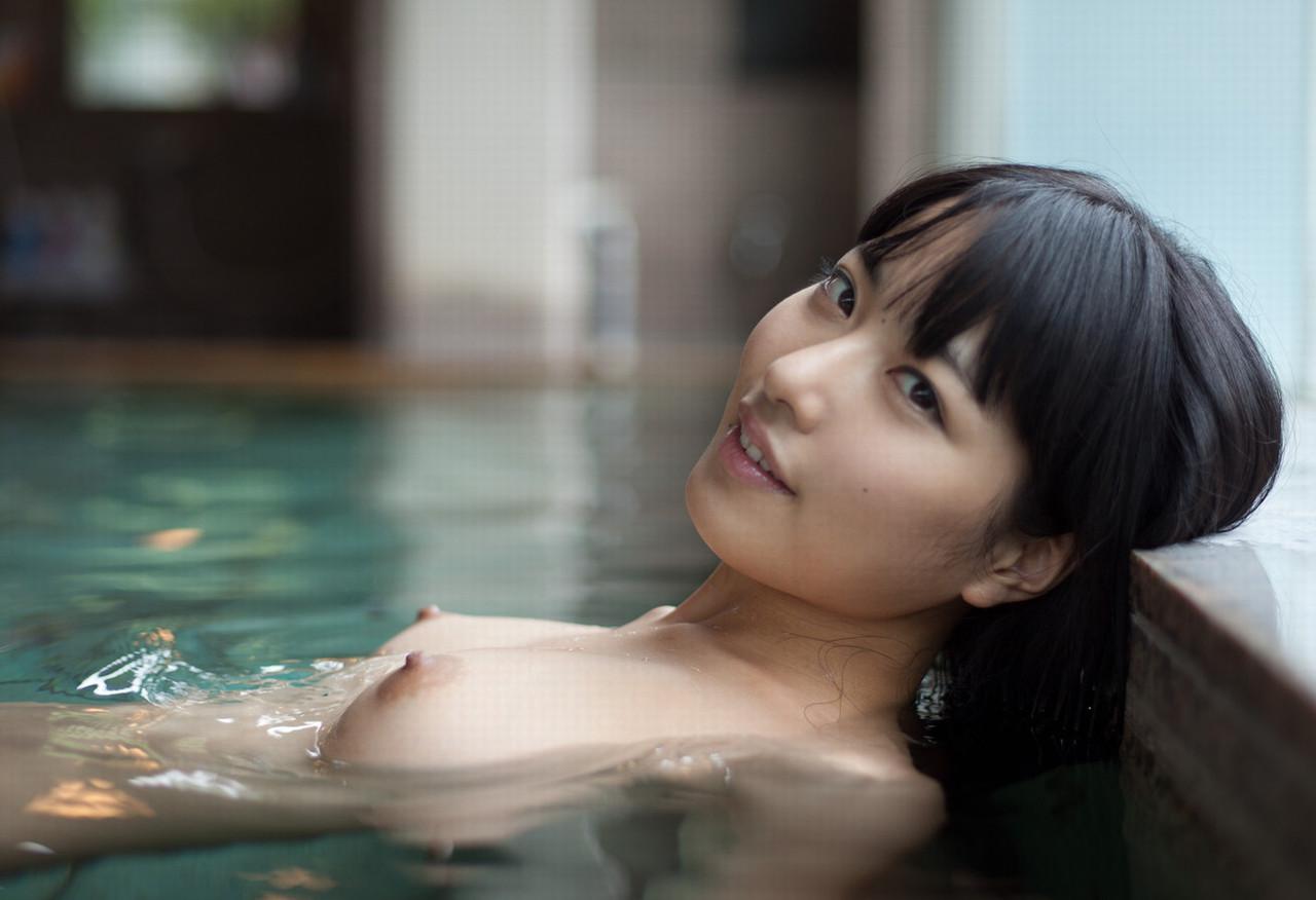 一緒にお風呂に入りたい!入浴中のお姉さんのエロ画像 81