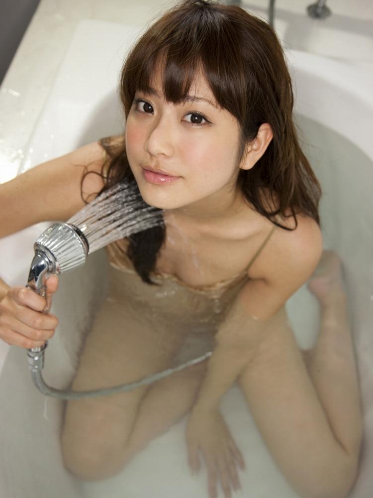 女の子と一緒にお風呂に入りたくなる入浴中のエロ画像 84