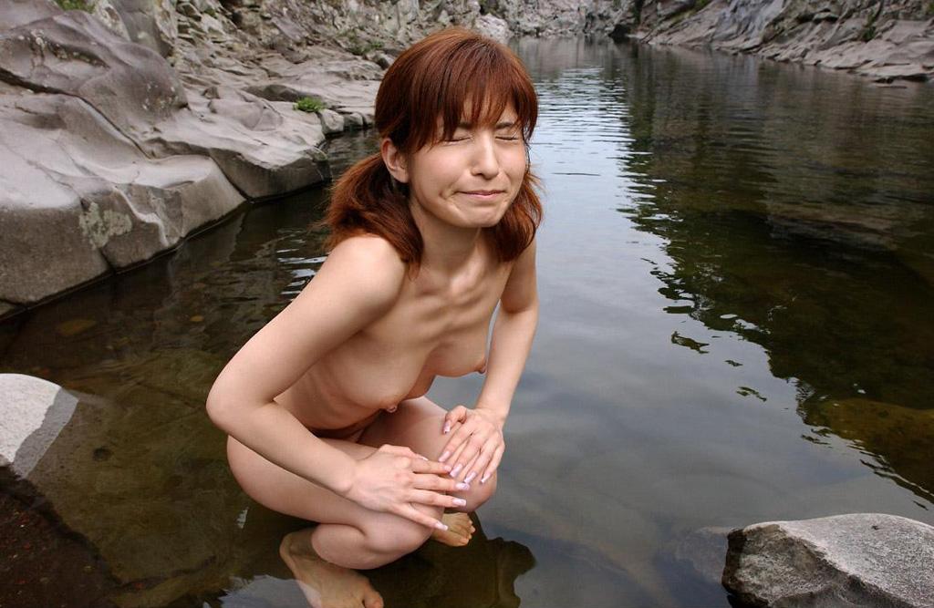 一緒にお風呂に入りたい!入浴中のお姉さんのエロ画像 88