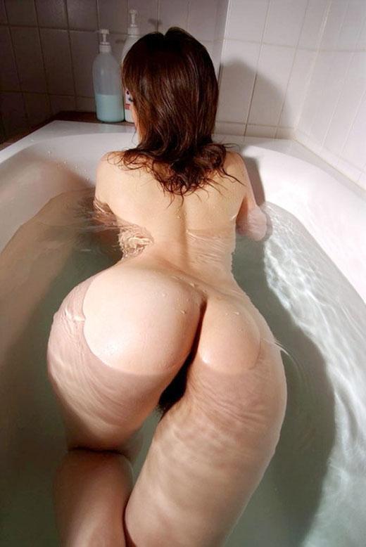 女の子と一緒にお風呂に入りたくなる入浴中のエロ画像 90