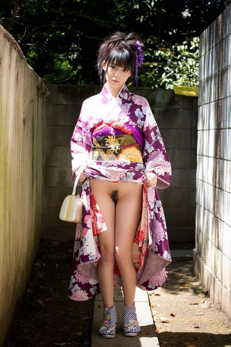 着物や浴衣を着た和服美人なお姉さんのエロ画像 93