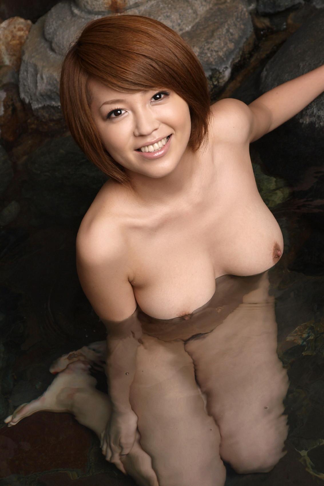 一緒にお風呂に入りたい!入浴中のお姉さんのエロ画像 94