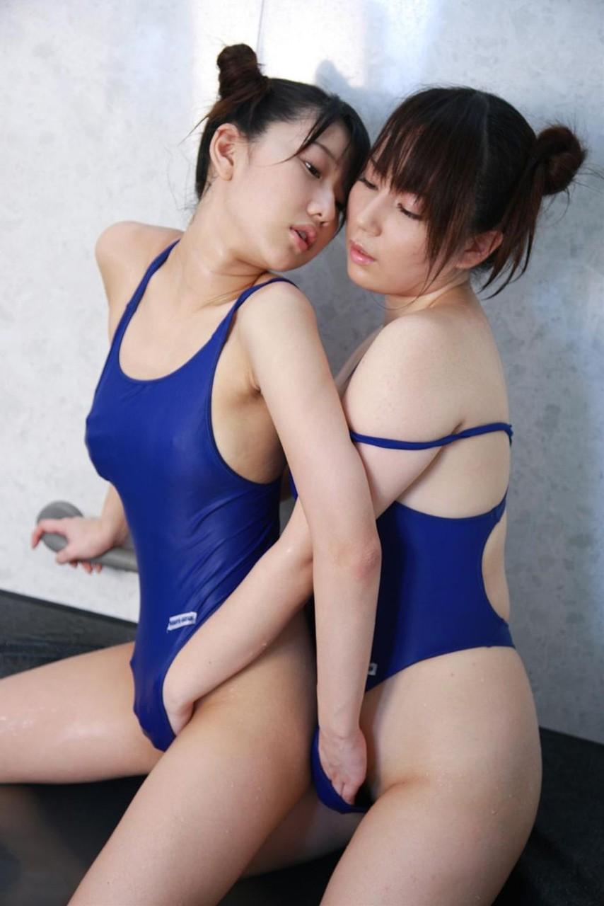 【レズ】女同士でマンコを擦りあうレズビアンのエロ画像 99