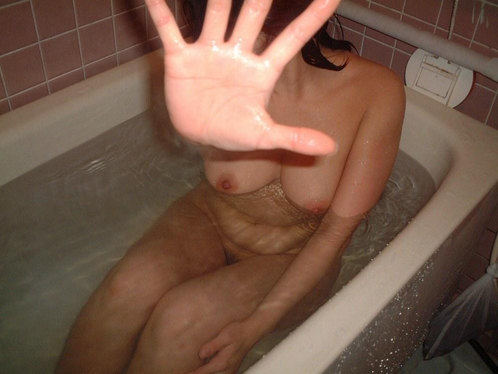 女の子と一緒にお風呂に入りたくなる入浴中のエロ画像 100