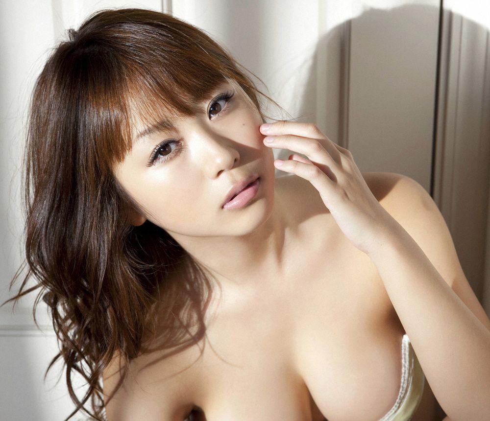 西田麻衣 最新 画像