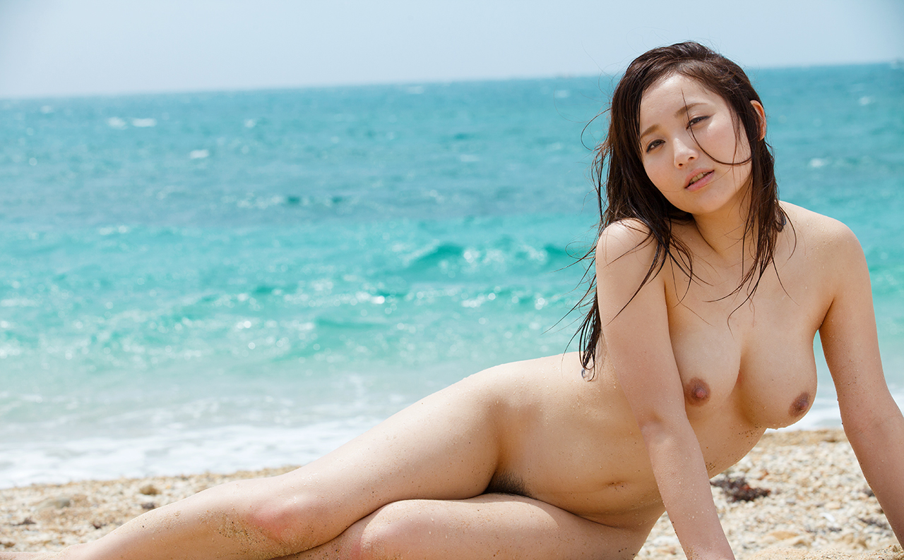 hit nude asian women