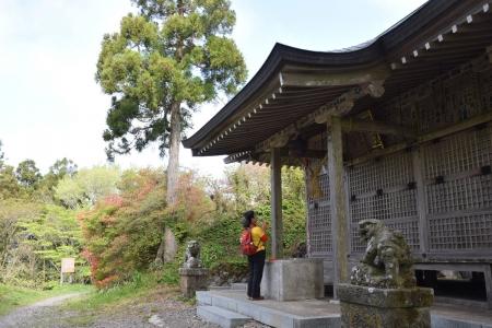 1八溝神社