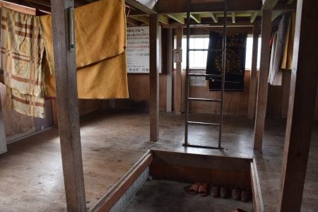 9丹後山避難小屋