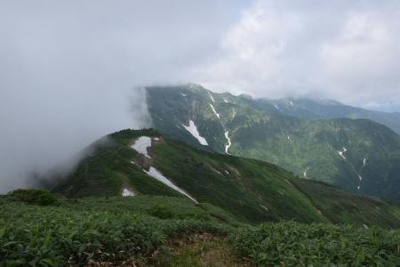 22中の岳への尾根