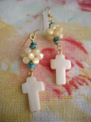 beads ball earrings with cross