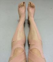 テーピングの足