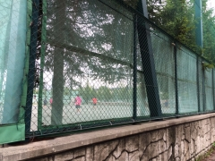 中学テニスコート