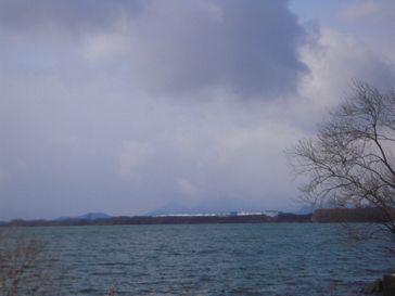shiga_2014030856_biwa lake_nagahama_nikon s