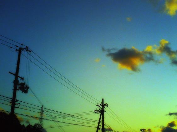 yurudeji_空、電線、雲