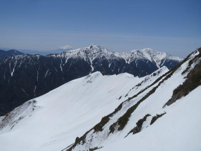5月4日 北岳,間ノ岳と富士山