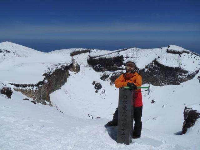 5月11日 日本最高峰富士山剣 より下は埋まってた