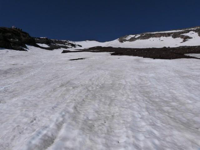 6月14日 大沢雪渓下部
