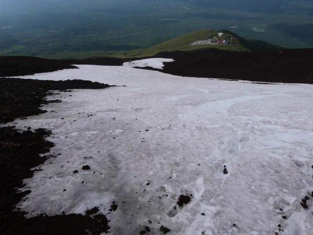 6月14日 小御岳流し下部の雪田
