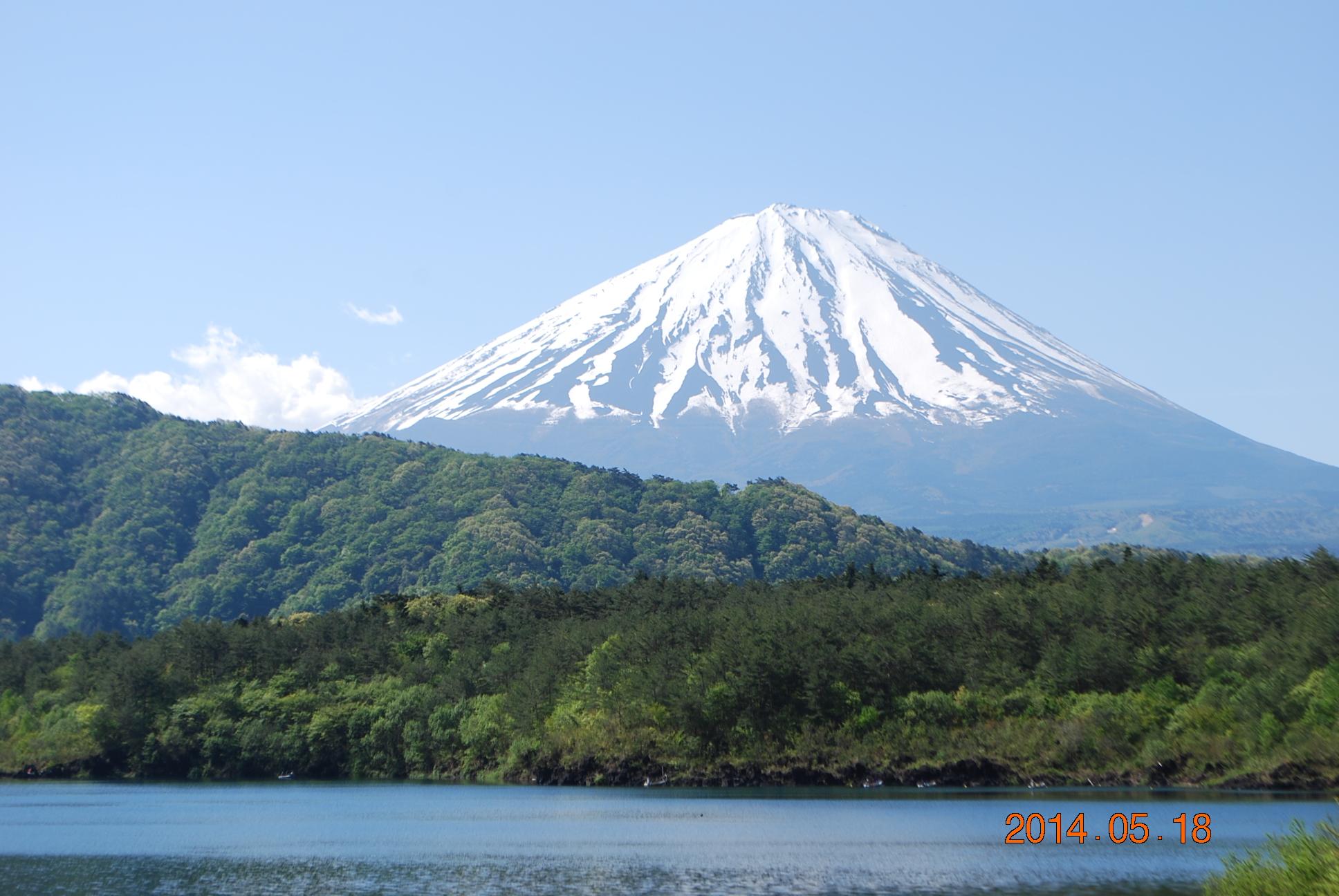 西湖越しの富士山