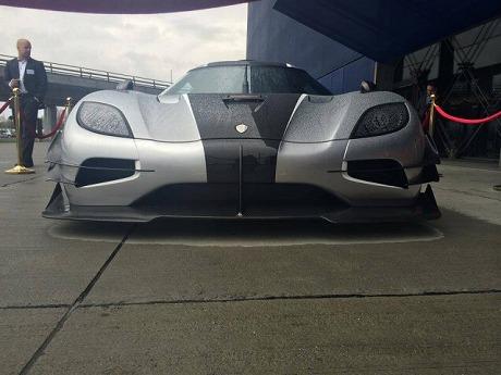 Koenigsegg-One-3-640x480.jpg