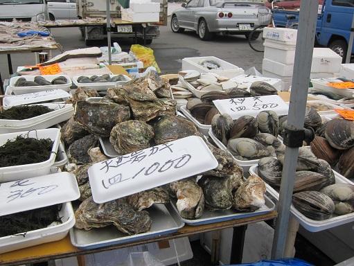 八戸朝市 岩牡蠣