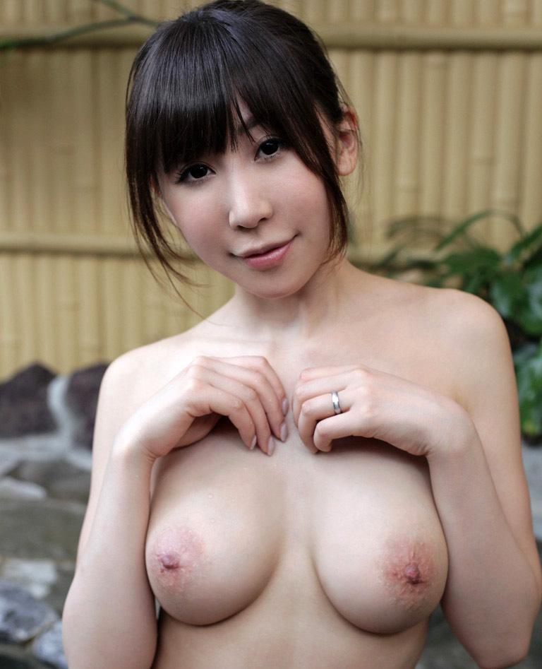 【No.13875】 おっぱい / 知花メイサ