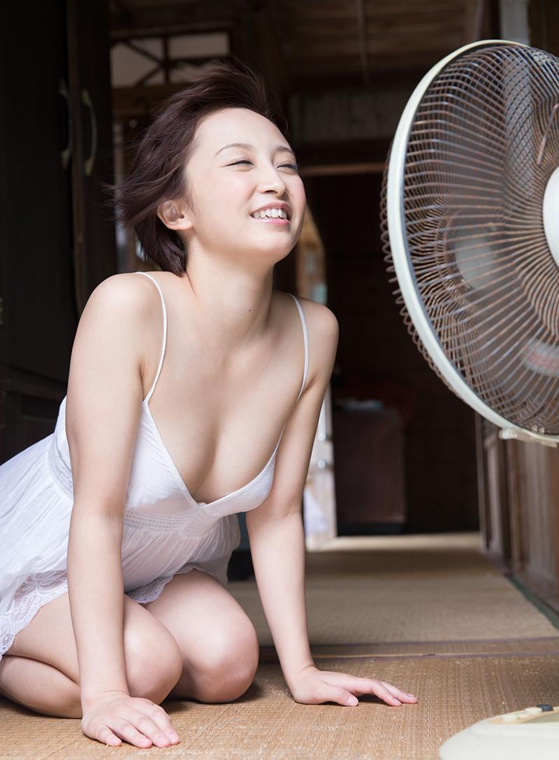 【No.16073】 涼む / きみの歩美