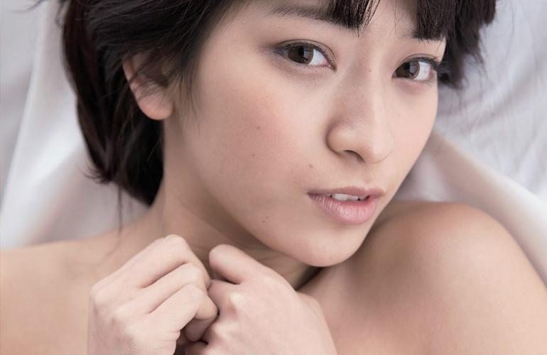1年で100本近く出演したAV女優成宮ルリ、AV卒業。