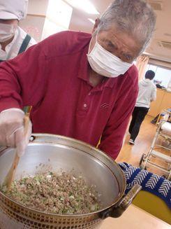 昼食作り(中華料理)