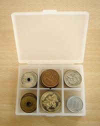 新品未使用 無印良品 イタリア産ヌメ革コインポケット付二つ折り財布 ダーク